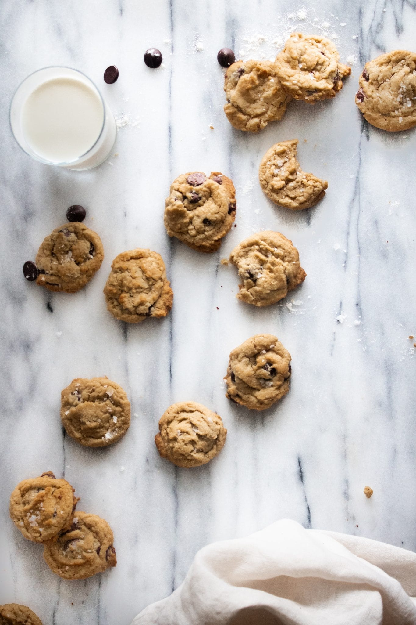 tahini chocolate chip cookies with milk