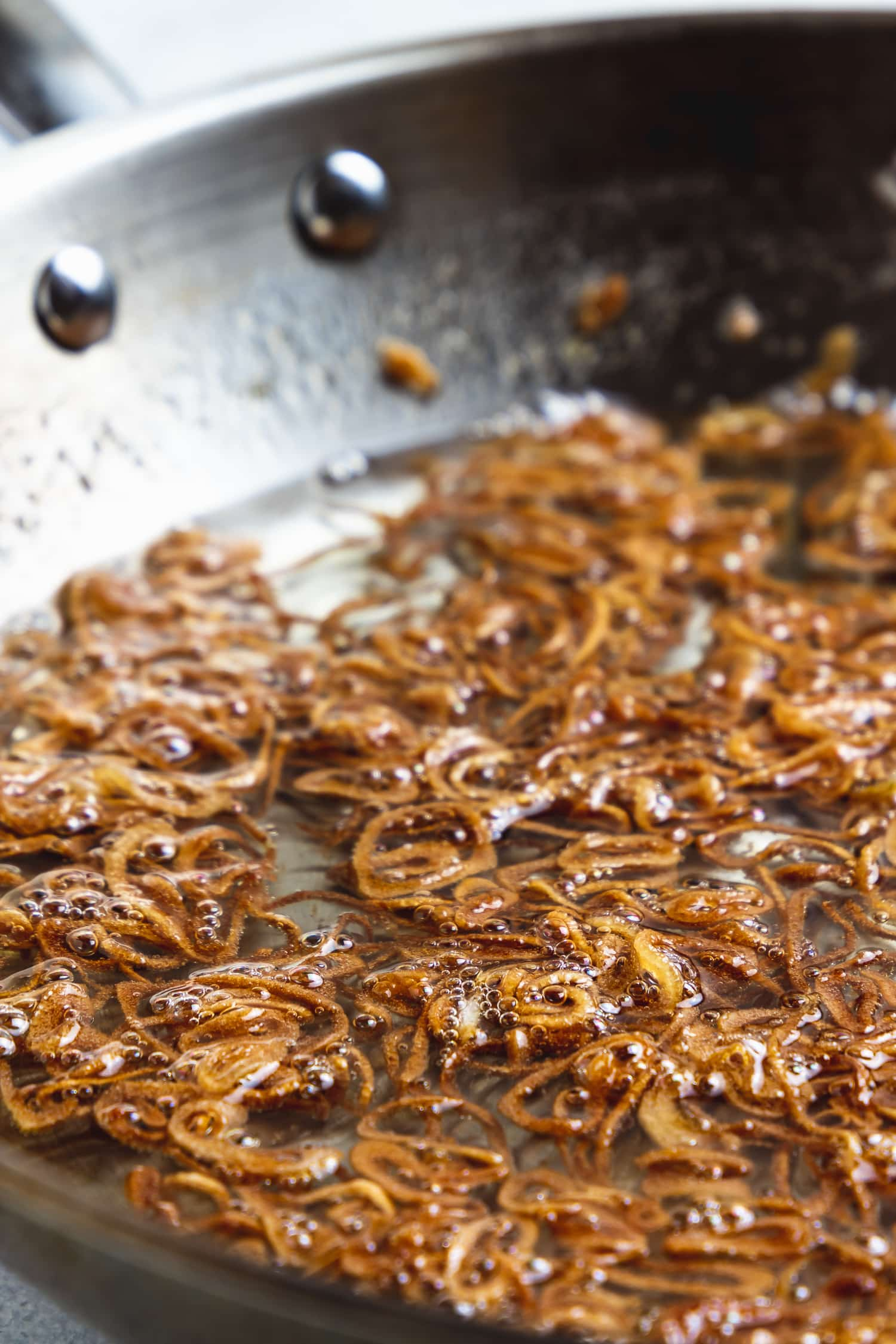 crispy shallots in oil