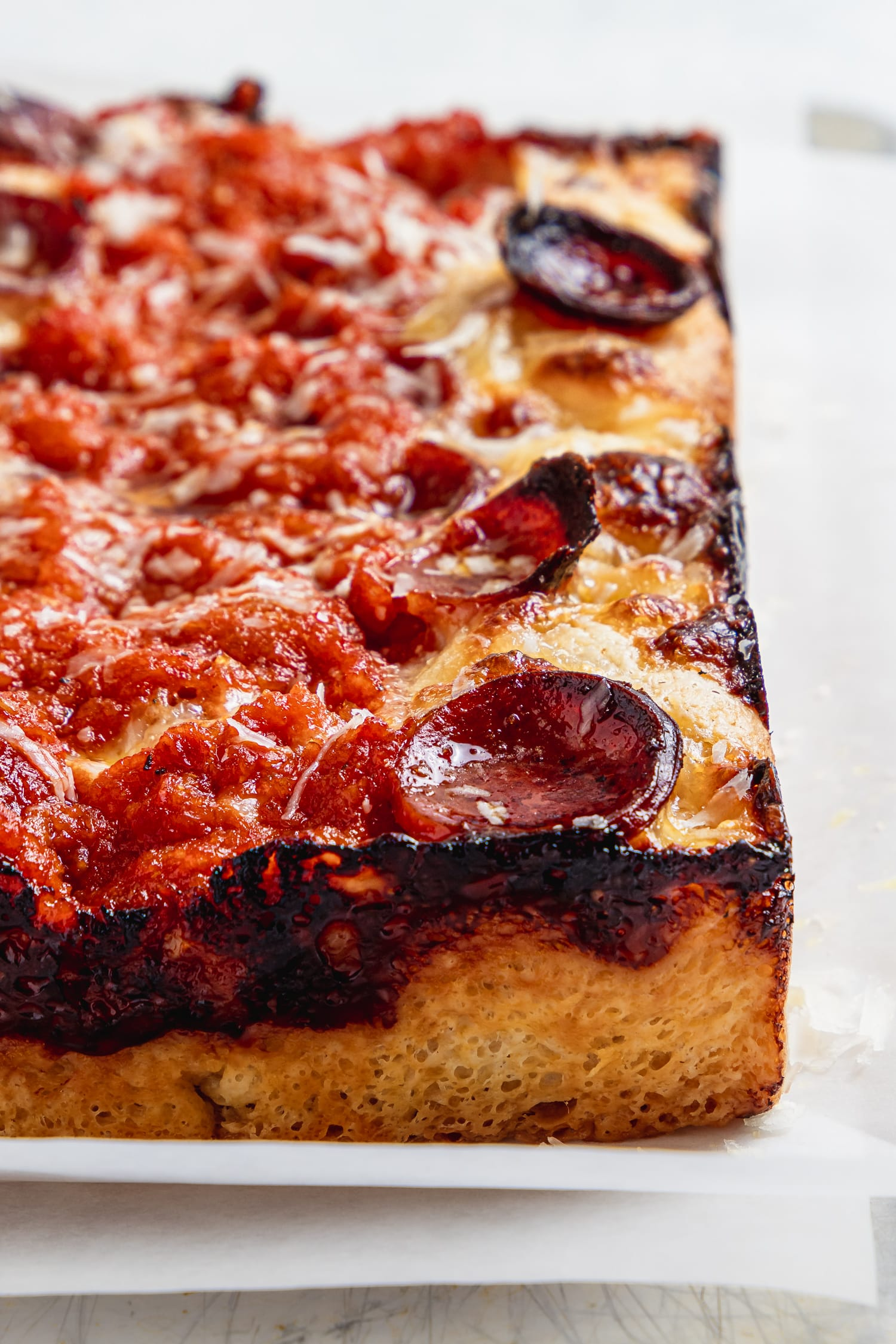 cooked detroit style pepperoni pizza close up